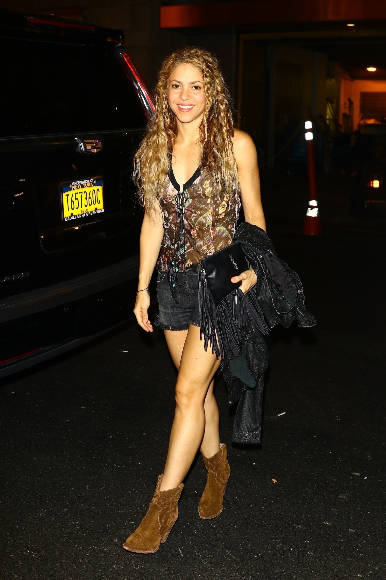 78215220_shakira-in-new-york-20180809-6.jpg