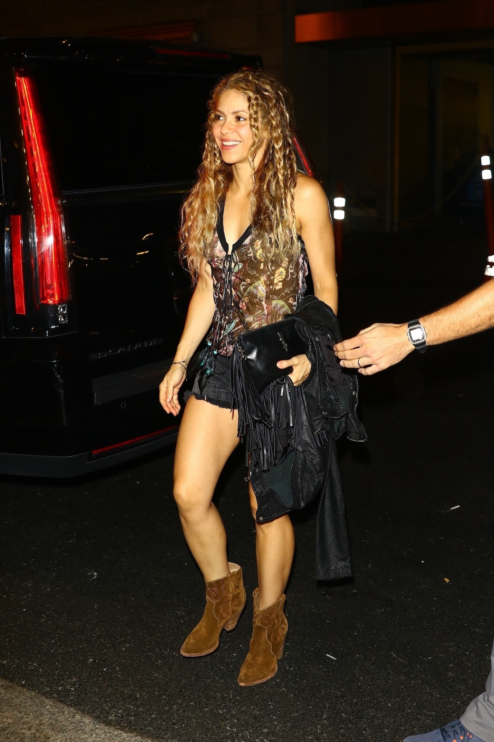 78215247_shakira-in-new-york-20180809-11.jpg