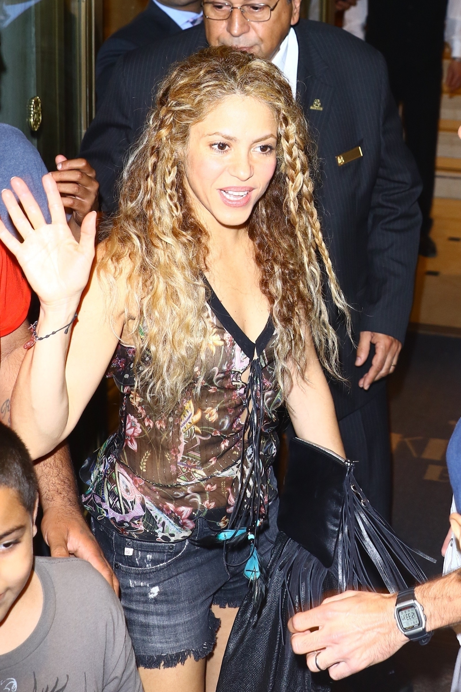 78215261_shakira-in-new-york-20180809-12.jpg