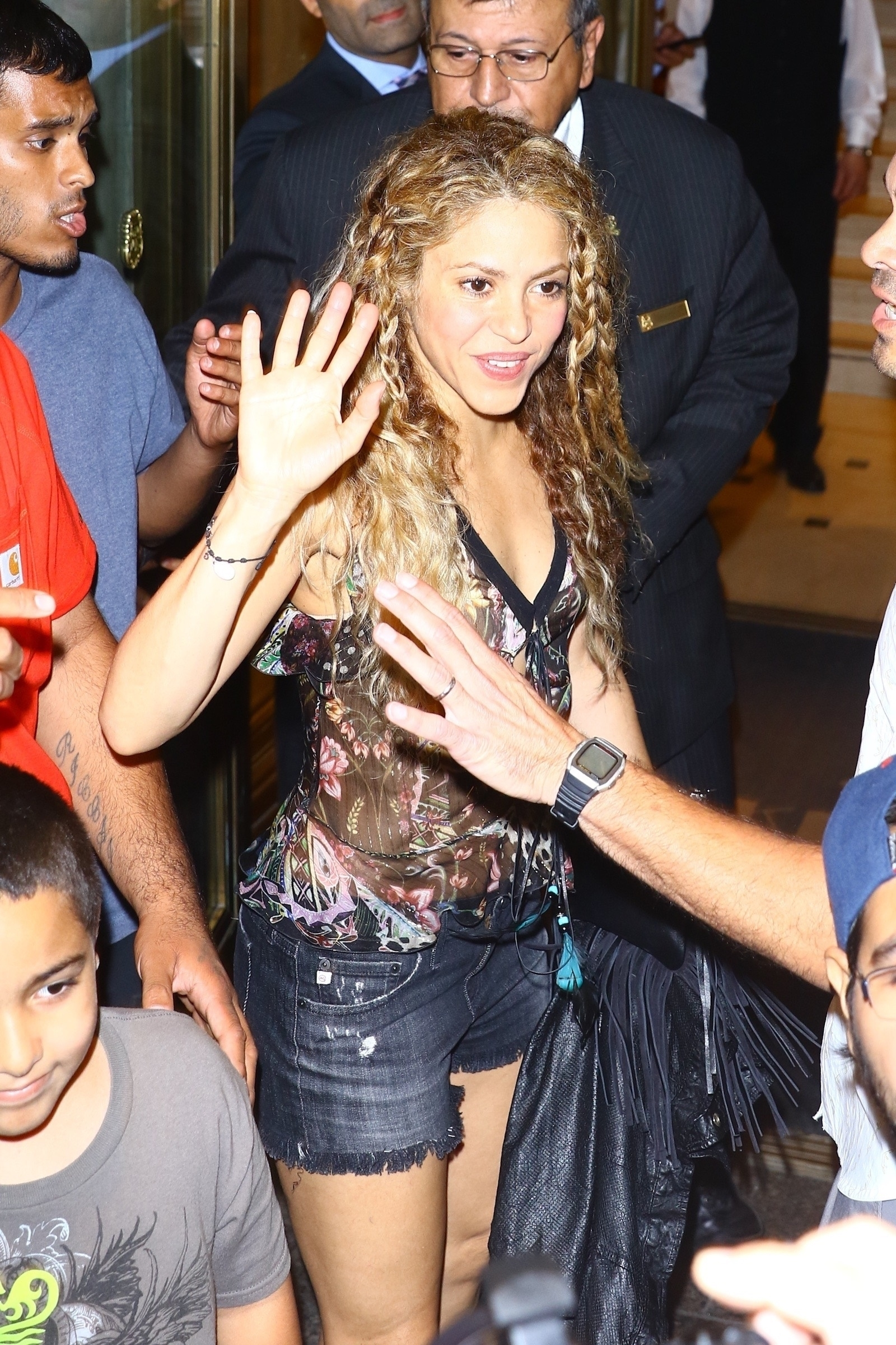 78215274_shakira-in-new-york-20180809-13.jpg