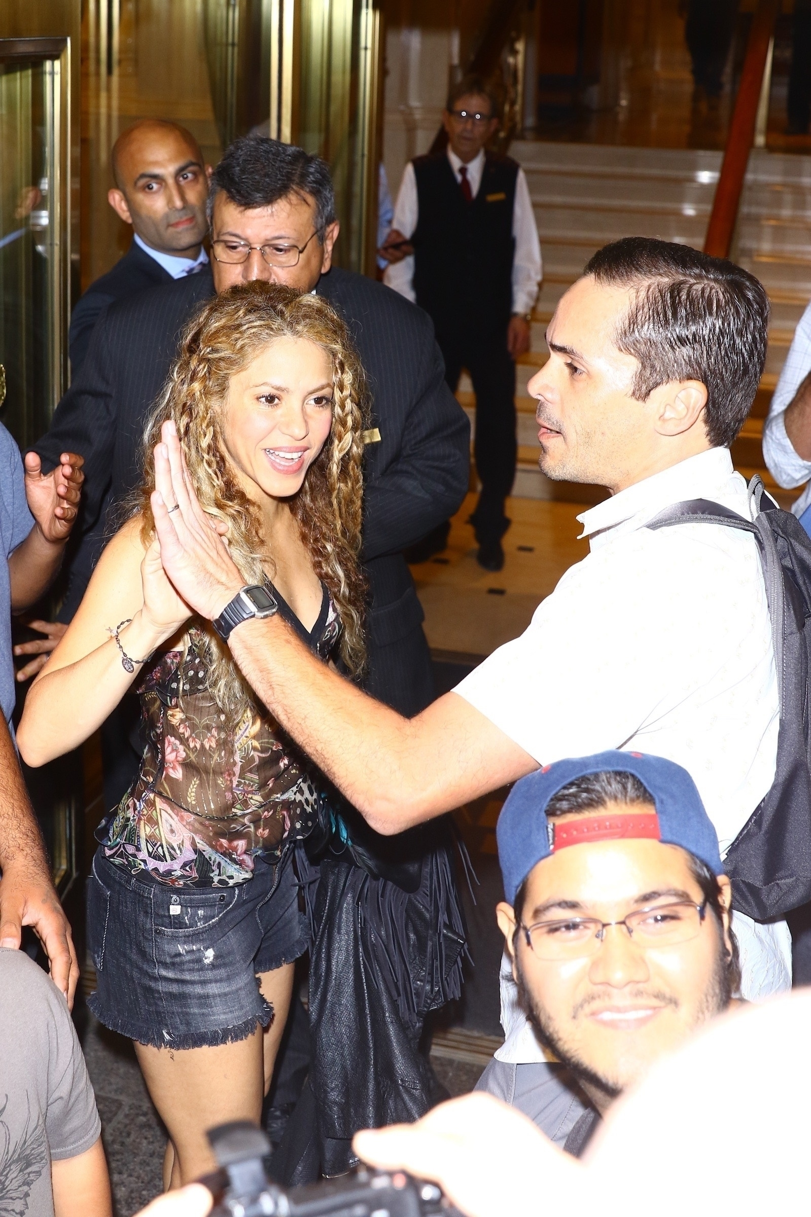 78215282_shakira-in-new-york-20180809-14.jpg