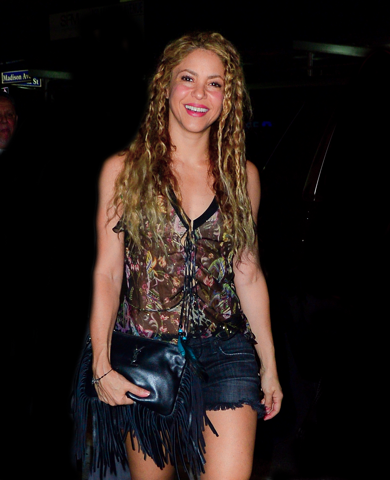 78215286_shakira-in-new-york-20180809-15.jpg