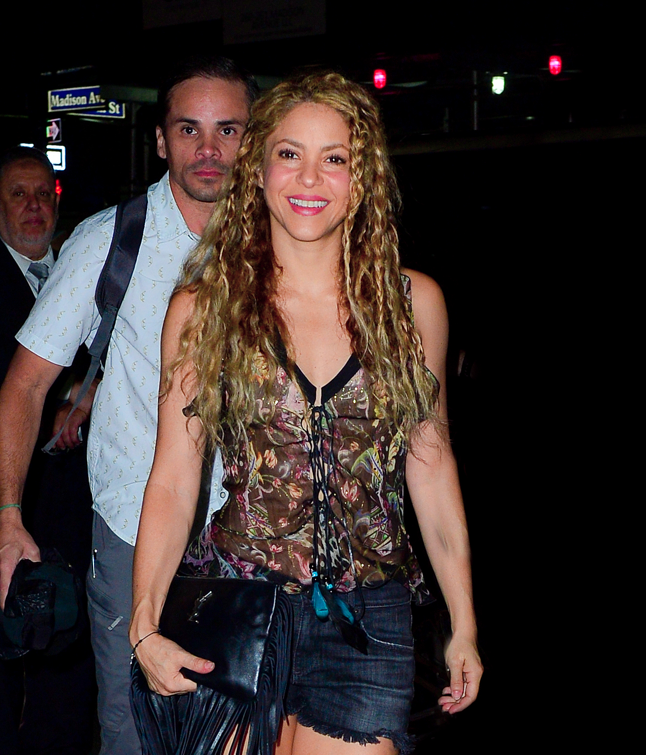 78215312_shakira-in-new-york-20180809-18.jpg