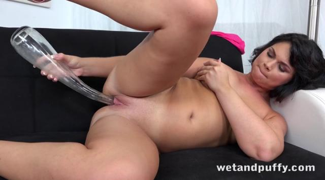 WetAndPuffy – Thick Thighs For The Guys – Sophia Vittoni