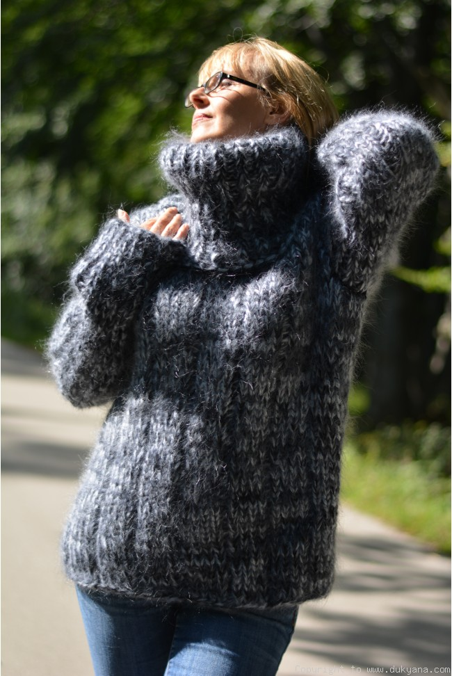 79755582_knitted-mens-chunky-mohair-sweater-in-gray-mix-650x972.jpg
