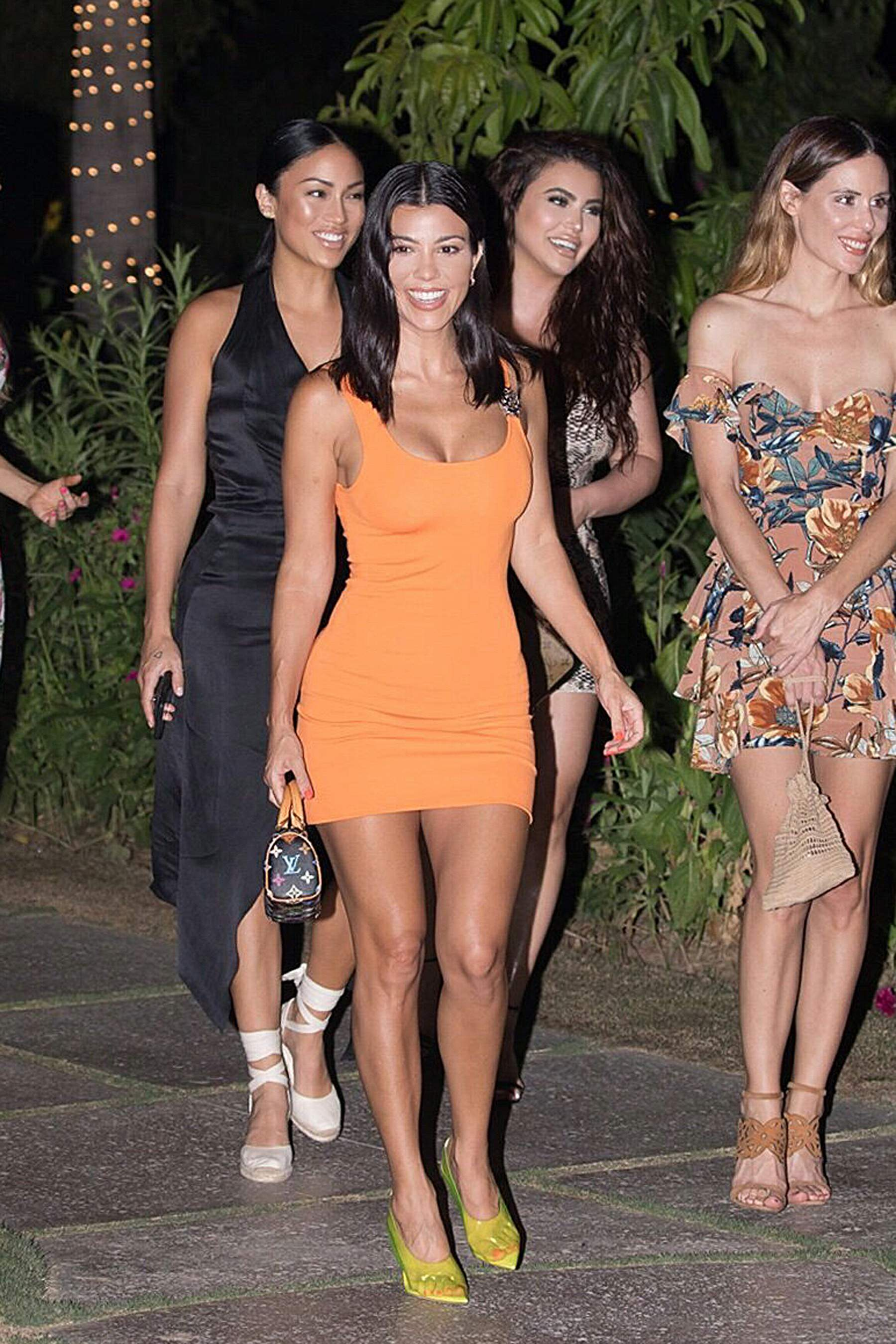 Kourtney Kardashian And her friends out for dinner at Flora Farms in Cabo, Mexico 25-08-2018