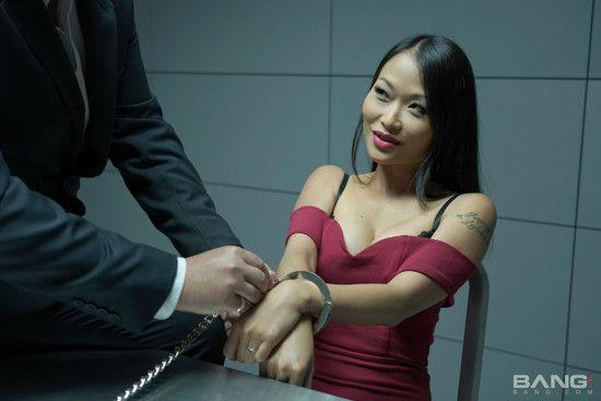 [Bang! Glamkore] Pussykat – Beautiful Asian Pussykat Gets Out Of Interrogation By Fucking The Cop